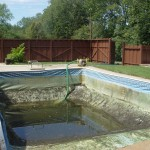Water Drained Down from of Rectangle Vinyl Liner Pool