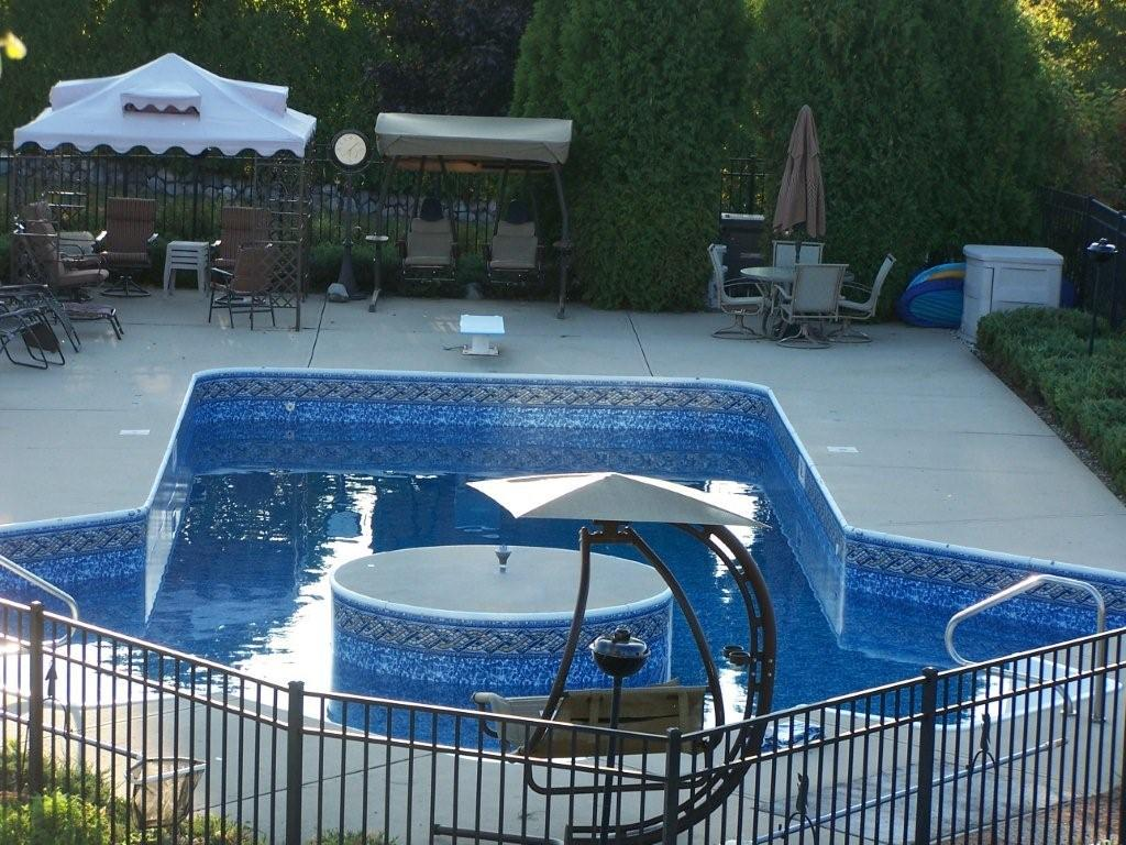 Double lazy l vinyl liner swimming pool prices for Vinyl swimming pool