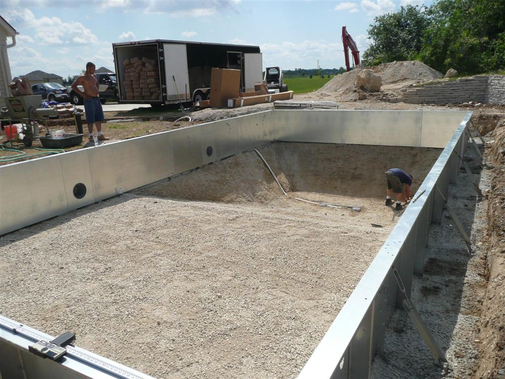 Vinyl liner pool construction installation process for Swimming pool installation companies